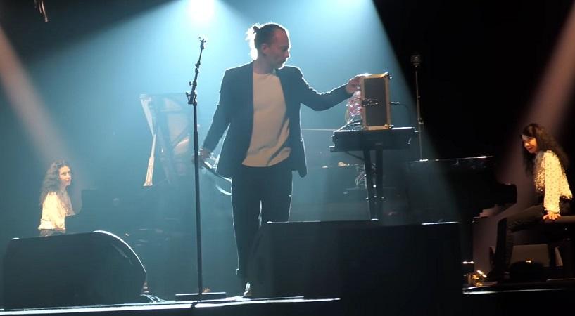 Thom Yorke et Katia et Marielle Labèque (Philharmonie de Paris)