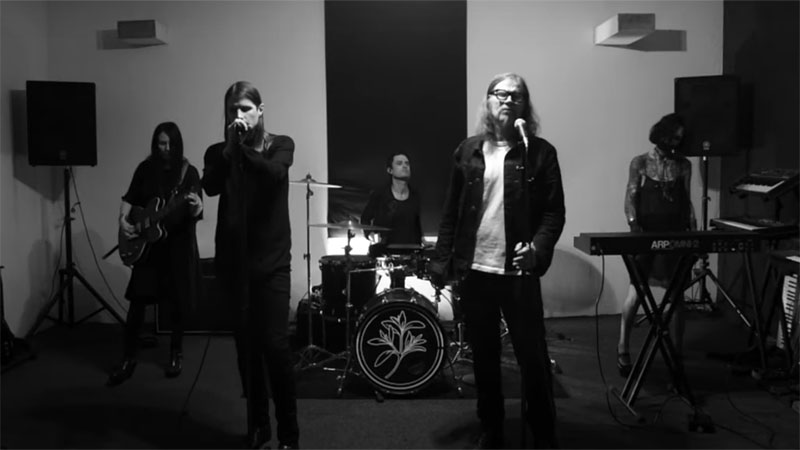 Cold Cave + Mark Lanegan - Isolation