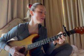Brie Larson - Pomme